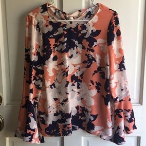 H BY HALSTON BLOUSE WITH BELL SLEEVES! SIZE S